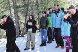 Les élèves de Moltifau tirent leur épingle du jeu à la neige