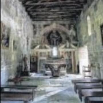 A Cambia, les mystèrieuses chapelles jumelle
